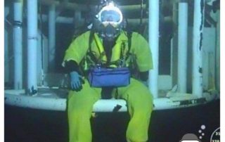 Saturation diver with Subsupply tool bag